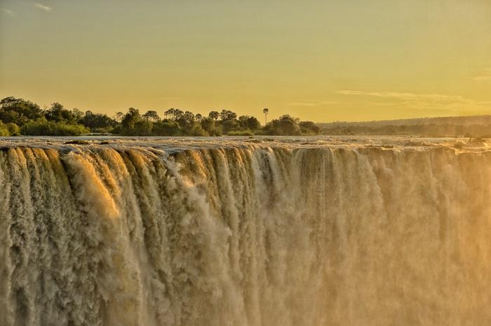 Victoria Falls Pictures