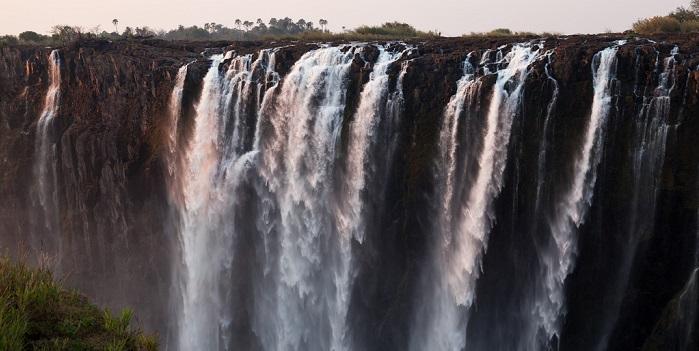 visit victoria falls