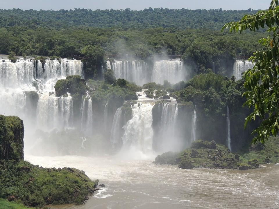 Chasing Waterfalls - Iguazú Falls