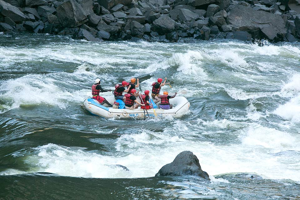 White Water Rafting Vic Falls Activities